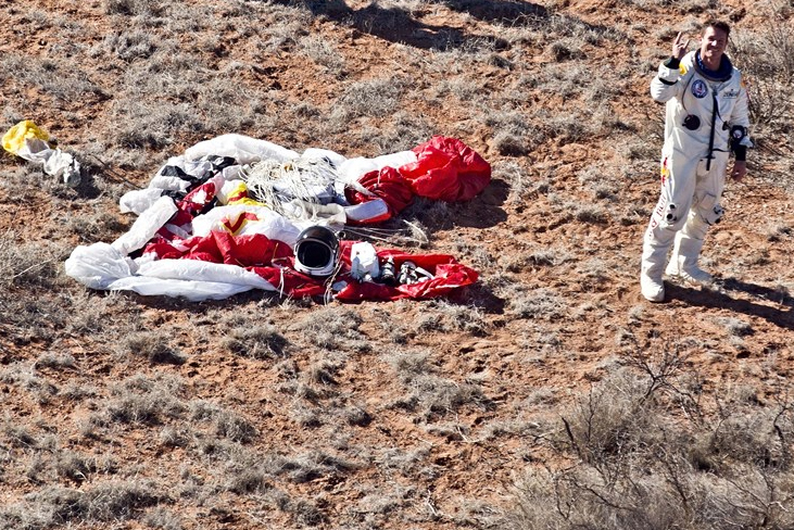 red bull stratos3