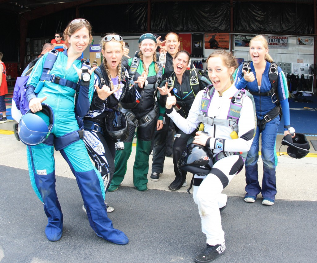 skydive girls